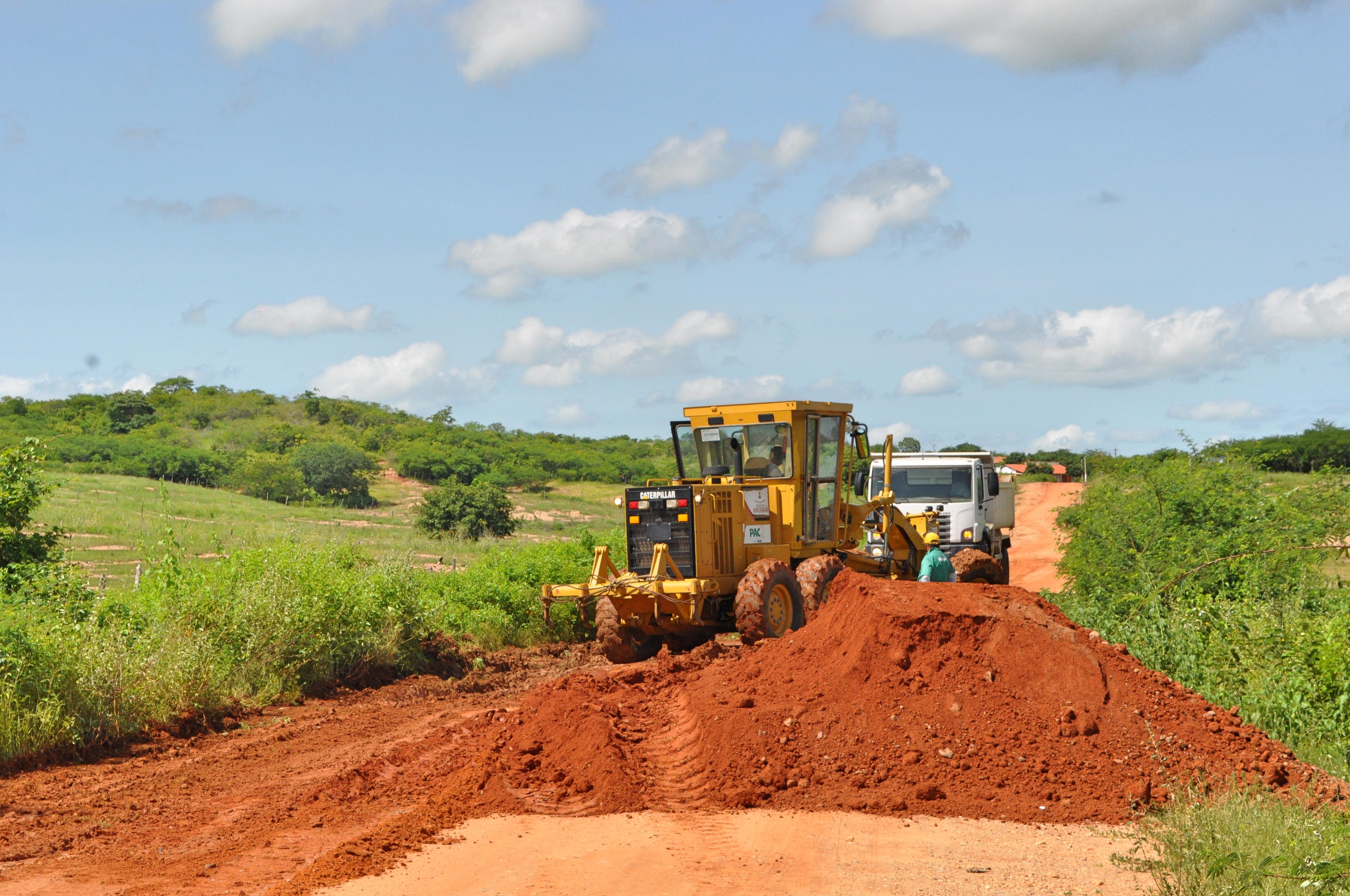 Operação Tapa-Buracos inicia no trecho Caldeirão – Poço da Pedra mesmo com chuvas