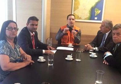 A prefeita Fátima Gomes esteve reunida com o deputado federal, José Aírton Cirilo para tratar de assuntos importantes para o município.