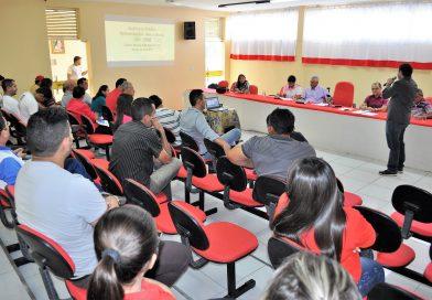 População, vereadores e gestão debatem a LDO na Câmara Municipal de Quixelô