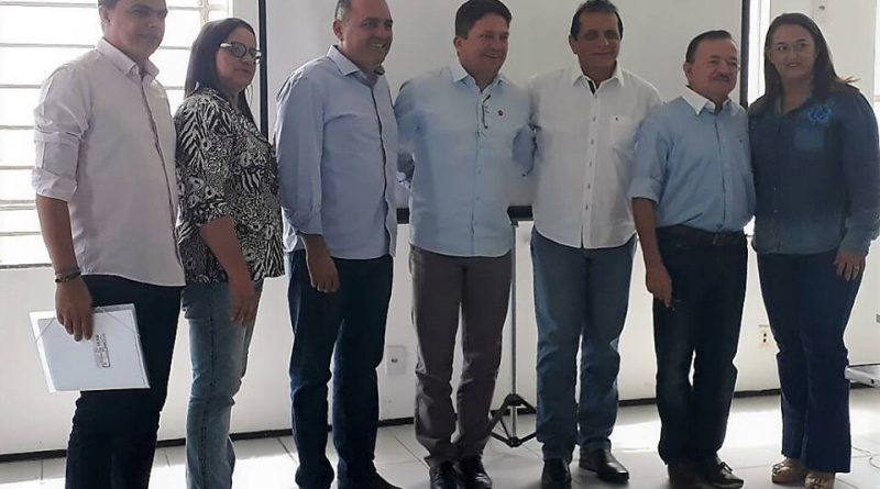 Prefeita Fátima Gomes participa da Assembleia do Consórcio que reúne a Policlínica e o CEO Regional