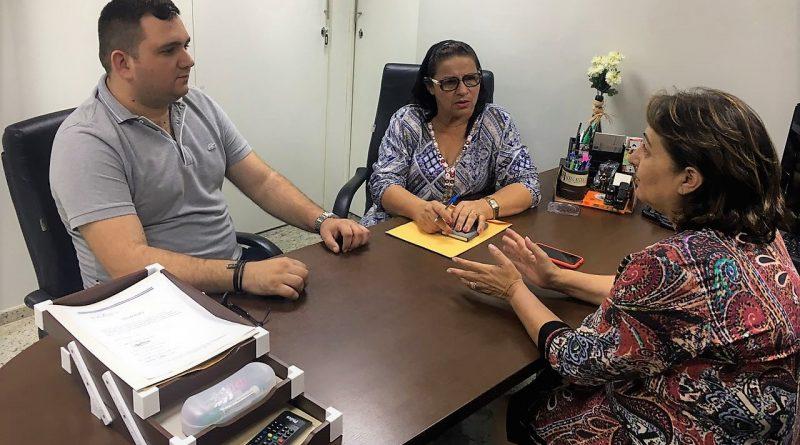 Prefeita Fátima Gomes se reúne, em Fortaleza, com a deputada Miriam Sobreira