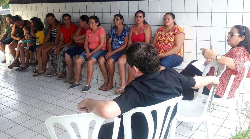 Fátima Gomes se reúne com moradores de Angicos I para tratar de assuntos referentes à Saúde da localidade