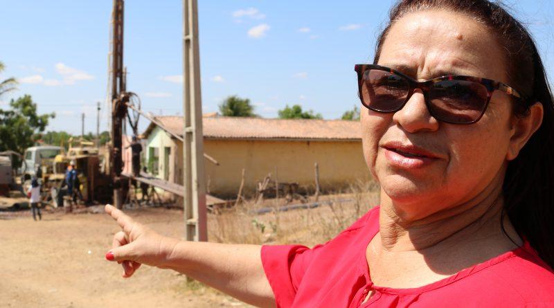 ÁGUA no FAÉ – Na sexta tentativa de perfuração a agua brota