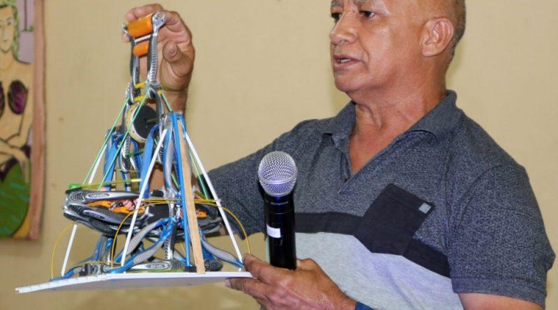 Palestra e exposição sobre brinquedos em Quixelô