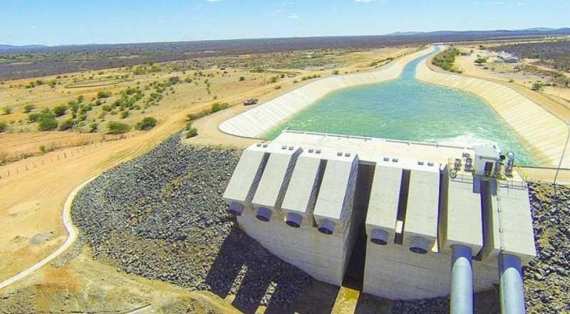 Águas do São Francisco serão bombeadas para o Ceará em maio, afirma ministro