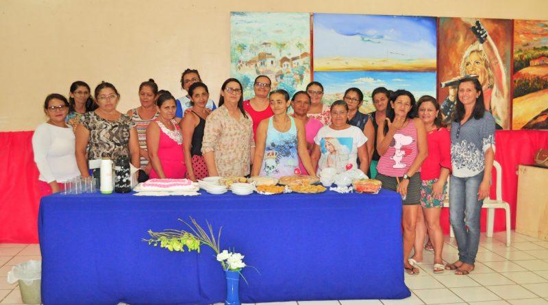 Prefeita reuniu as garis do município para um Chá da Tarde