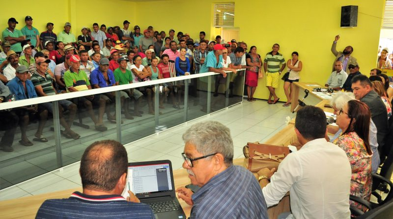 Reunião na Câmara de Quixelô debate soluções para o problema do não pagamento do Garantia Safra em Quixelô